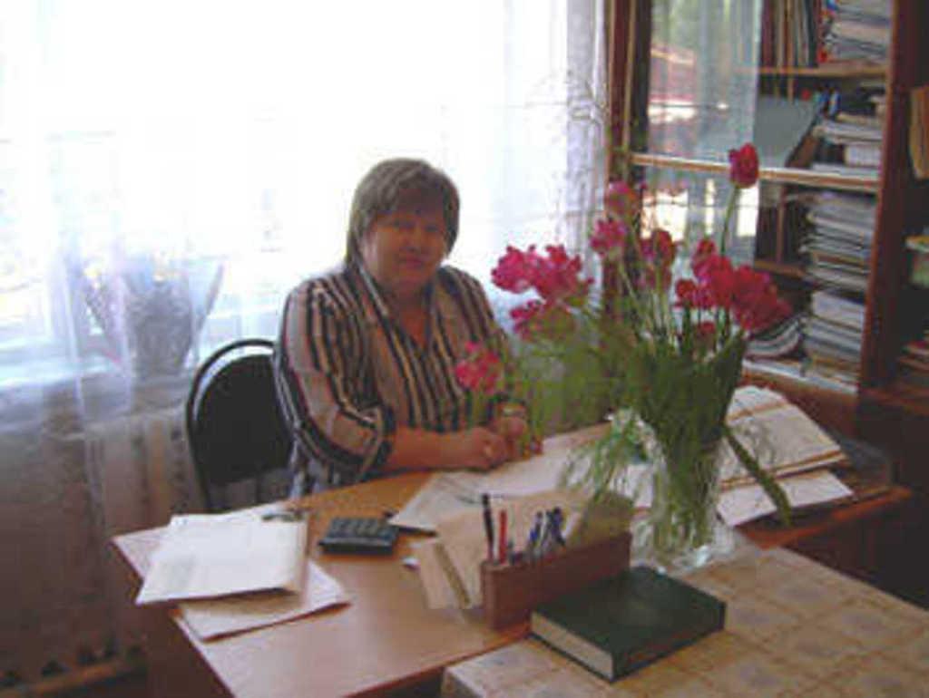 Директор школы - Борюшкина Галина Михайловна